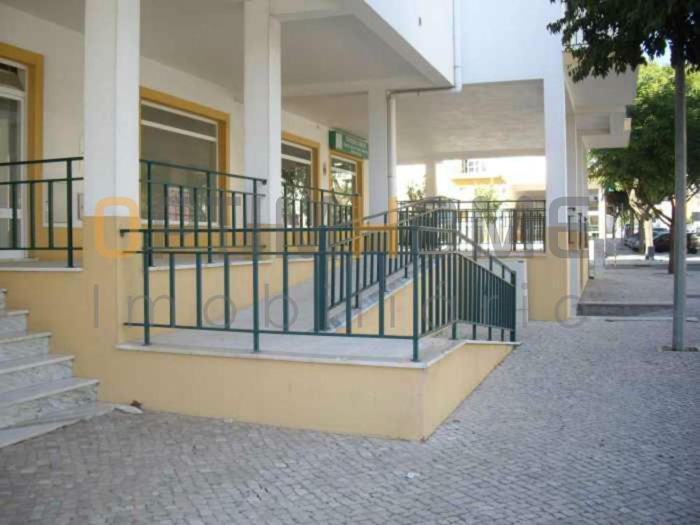 Vendas Novas Vendas Novas comercio foto #request.properties.id#