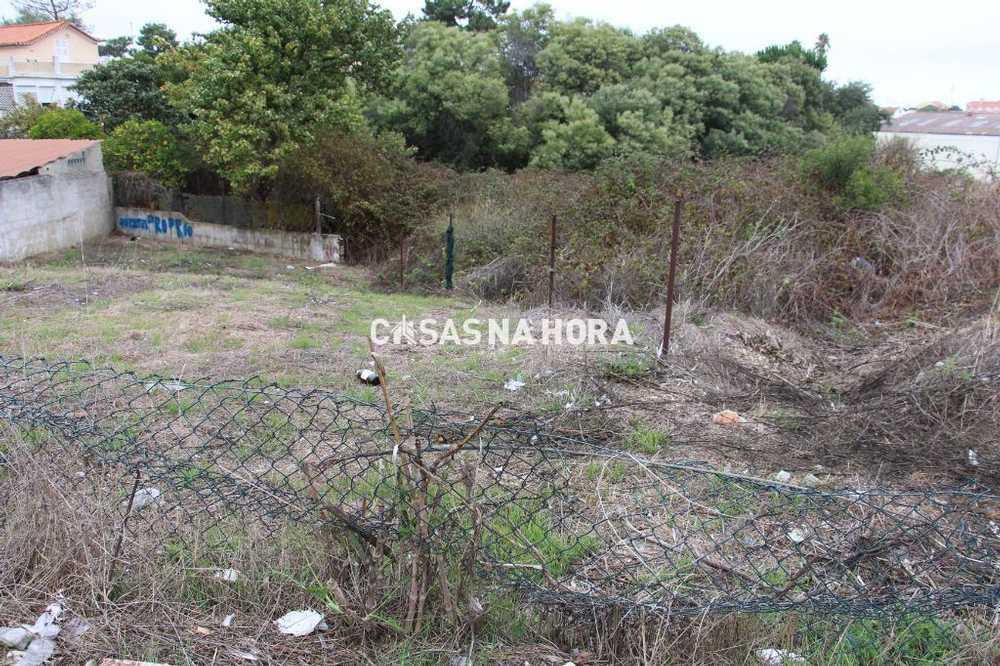 Sobreda Almada terreno foto #request.properties.id#