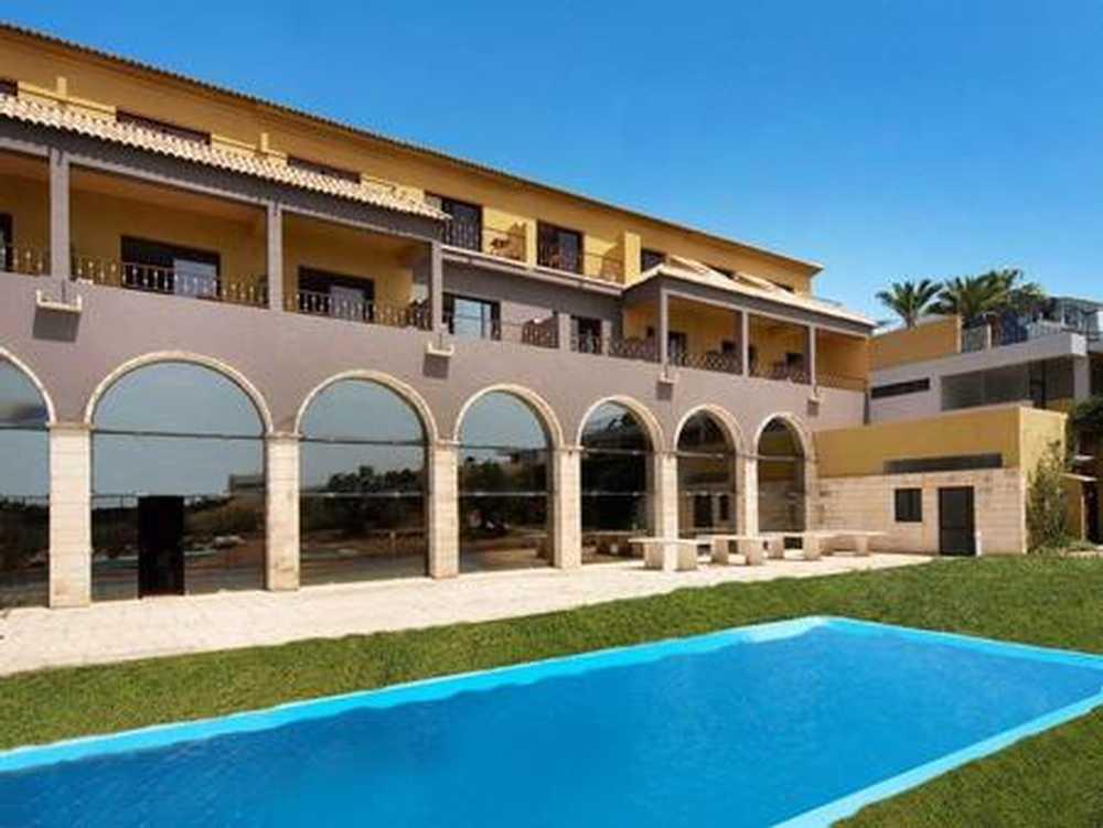Porches Lagoa (Algarve) commercial picture 108413