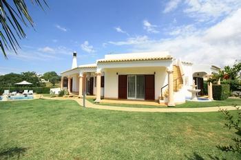 Estombar Lagoa (Algarve) villa picture