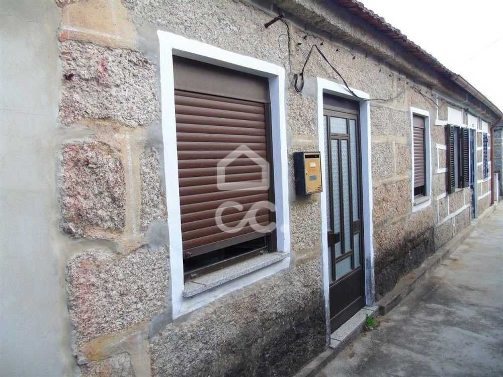 Guimarães Guimarães house picture 112806