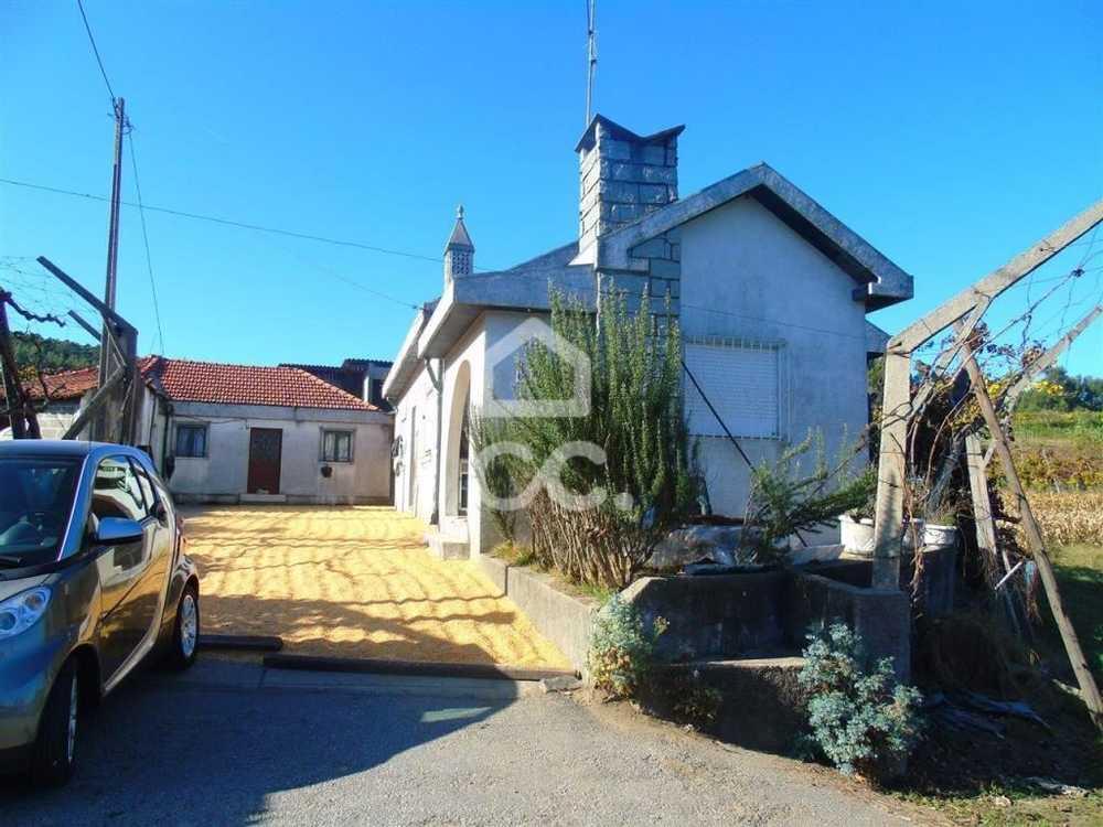 Gominhães Guimarães house picture 112814