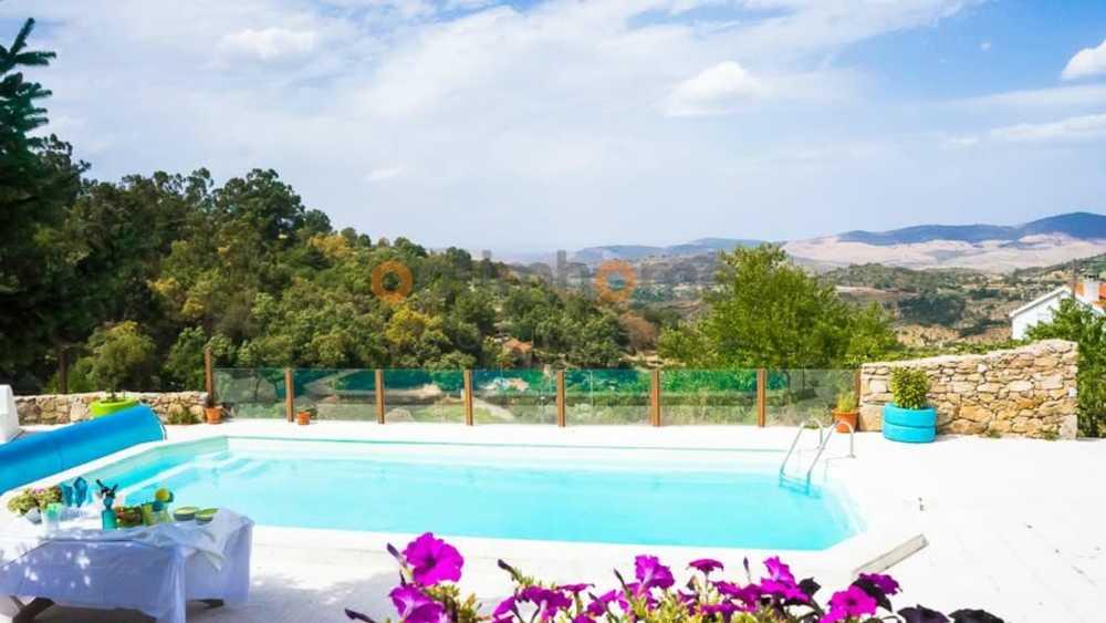 Pinhel Pinhel casa foto #request.properties.id#