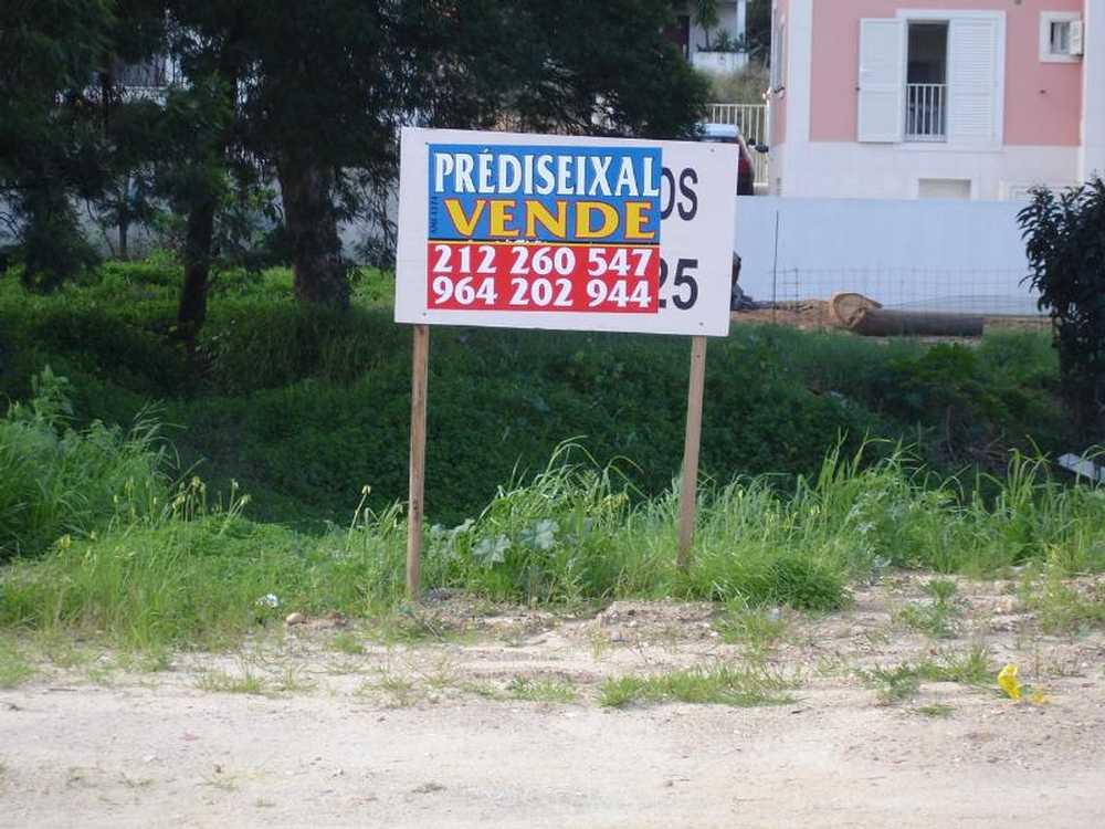 Corroios Seixal terreno foto #request.properties.id#