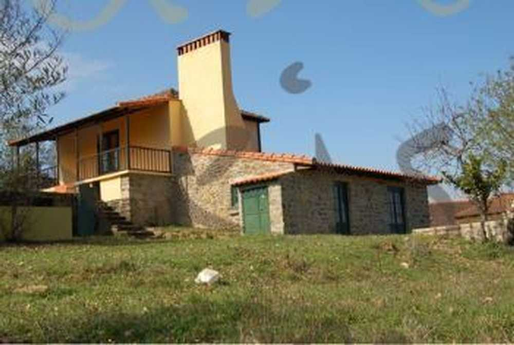 Armamar Armamar casa foto #request.properties.id#