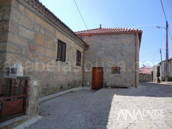 Vale de Estrela Guarda house picture