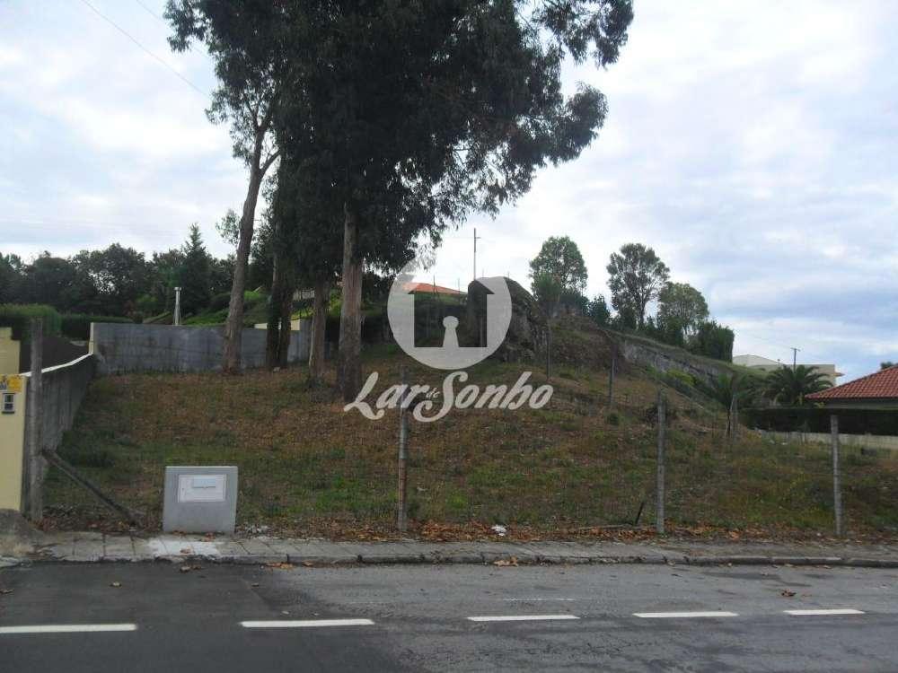 Guimarães Guimarães 土地 照片 #request.properties.id#