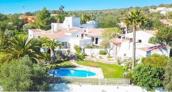 Carvoeiro Lagoa (Algarve) house picture