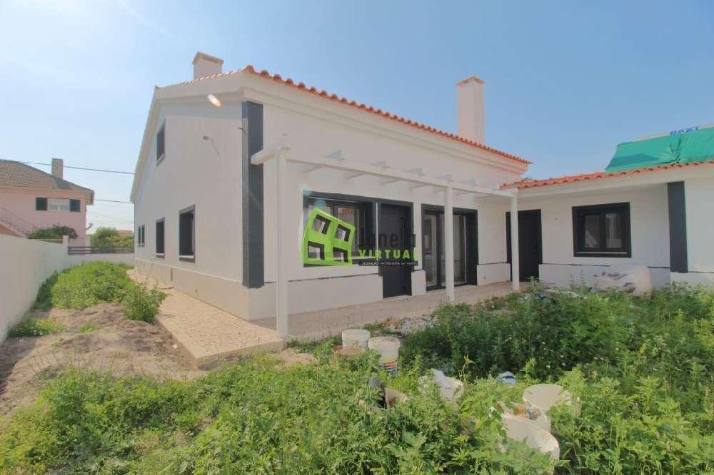 Fernão Ferro Seixal casa foto #request.properties.id#