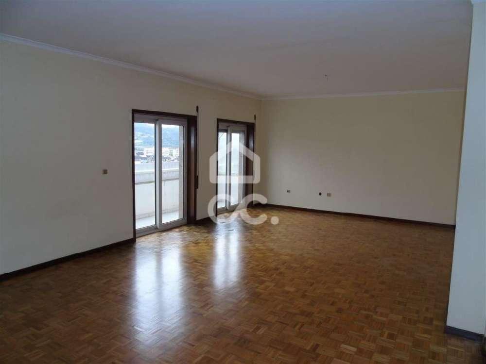 Fafe Fafe apartamento foto #request.properties.id#