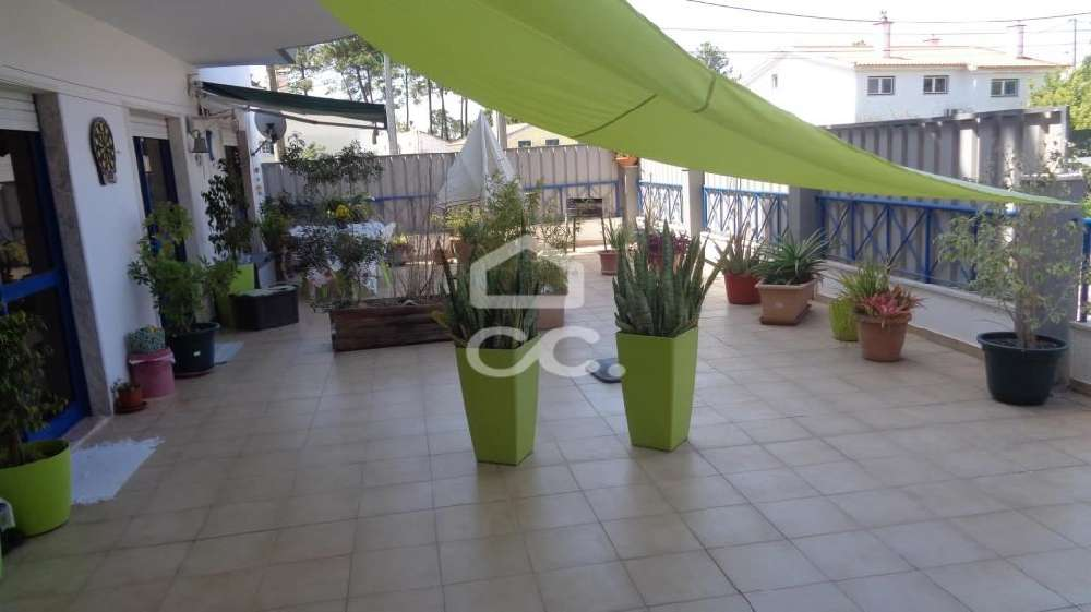 Sobreda Almada apartamento foto #request.properties.id#