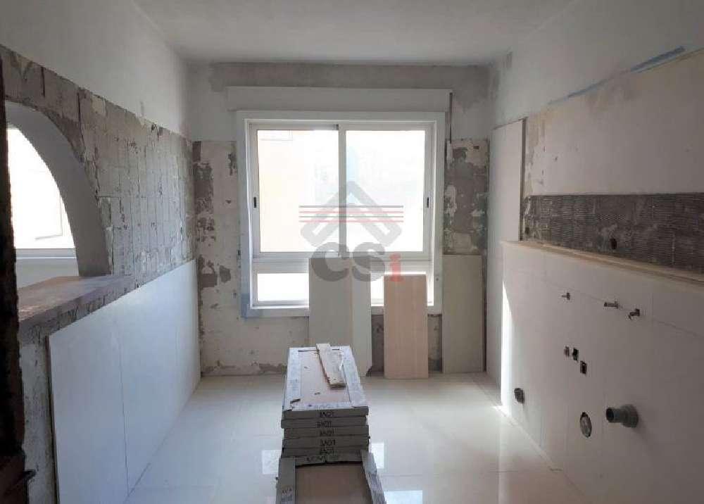 Corroios Seixal apartamento foto #request.properties.id#