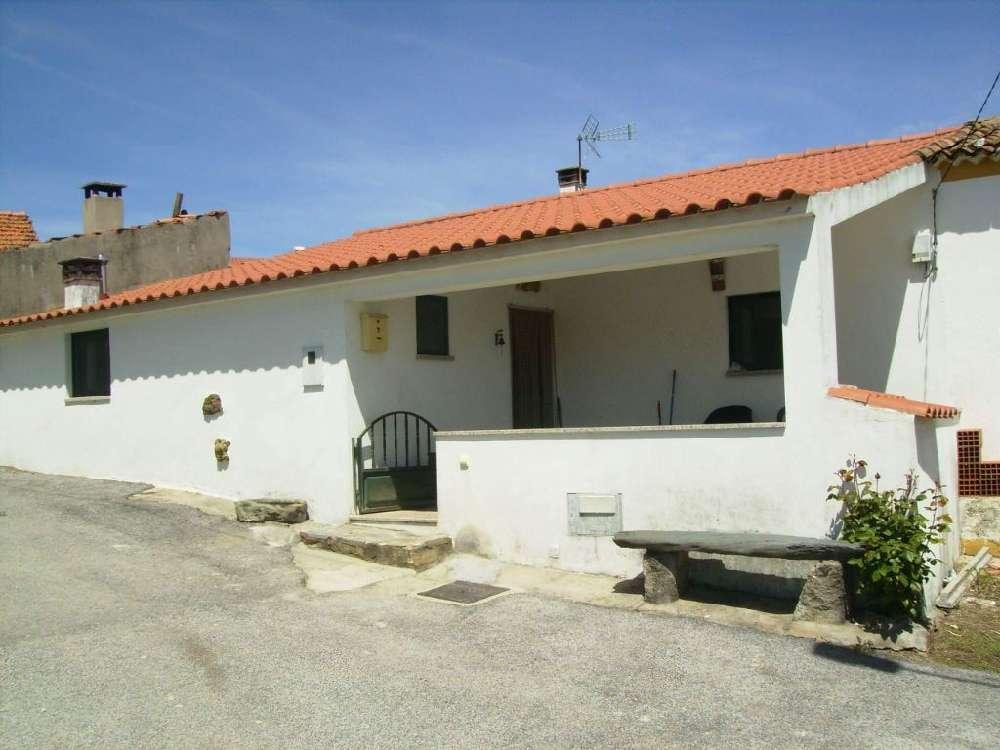 à venda casa Peral Castelo Branco 1