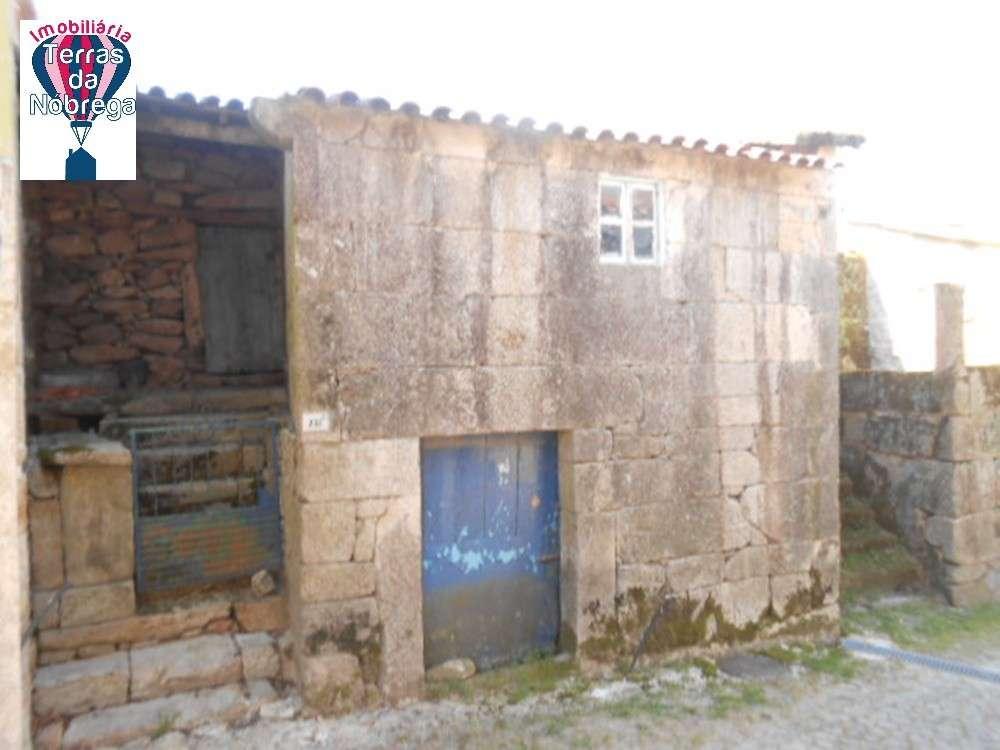 Ponte da Barca Ponte Da Barca house picture 190430