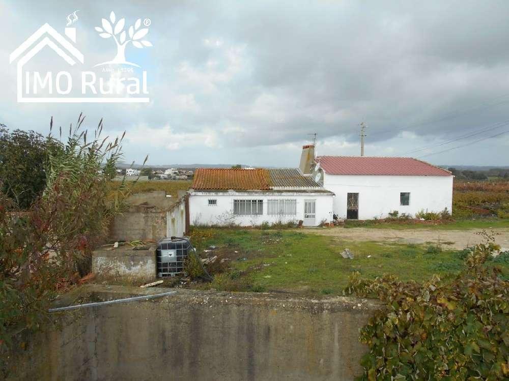 Almeirim Almeirim casa foto #request.properties.id#